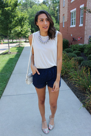 periwinkle statement Luxe Statements necklace