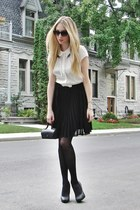 black yumi dress - black HUE tights - black vintage bag
