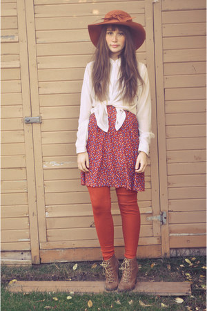 red winners hat - bronze lace up boots the bay boots - red vintage dress