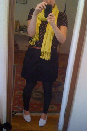 Target scarf - Uniqlo skirt - American Apparel leggings - Old Navy belt - H&amp;M sh