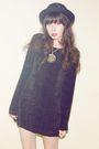 Black-vintage-dress-black-vintage-hat-silver-vintage-necklace