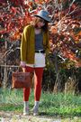 Gold-vintage-cardigan-yellow-vintage-levis-shorts-brown-vintage-bag