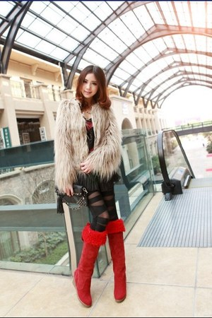 red long warm suede fashion chic stylish boots