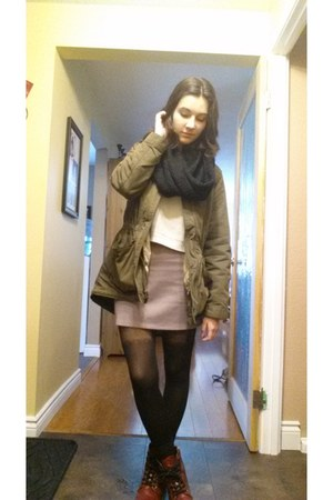 crimson Aeropostale boots - olive green army Old Navy coat