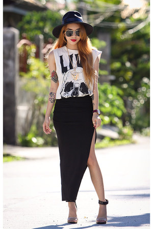 black OASAP hat - black pleated OASAP skirt