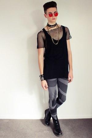 choker necklace - necklace - Dr Martens boots - asos leggings