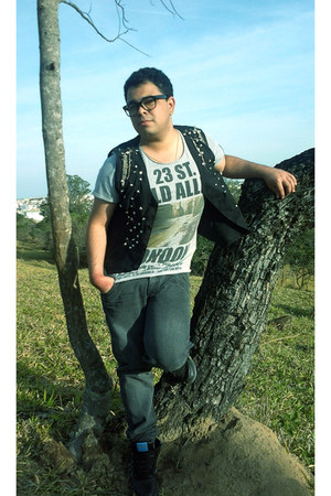 no name jeans - vintage sunglasses - Zara t-shirt - By Will J Santos vest
