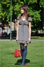 Navy-maggieme-dress-red-zara-bag