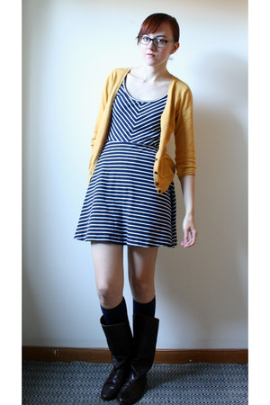 navy striped Vero Moda dress - dark brown vintage boots - navy knee high socks