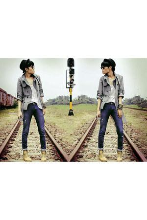 mustard belle boots - periwinkle trench coat Mango coat - navy Zara jeans - blac