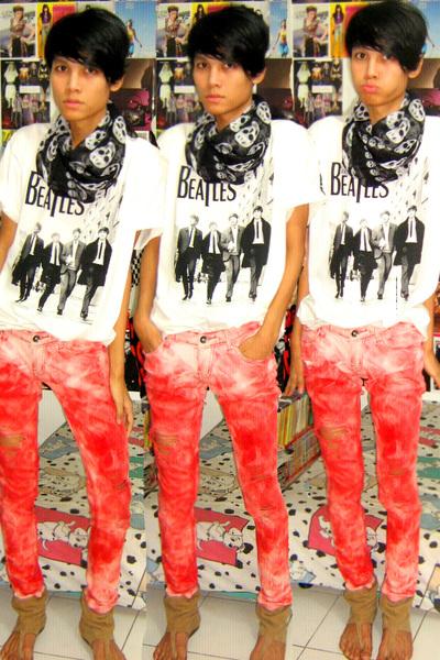 Zara scarf - Junk Food t-shirt - Zara jeans - Zara shoes