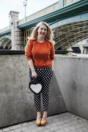 polka dot Boohoocom pants - orange fluffy H&M sweater - heart shaped Topshop bag