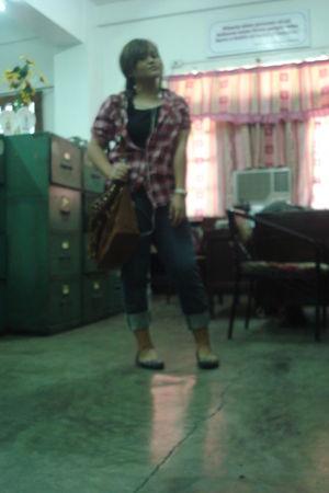 red bought at a bazaar top - black bought at a tiangge shirt - gray kashieca jea