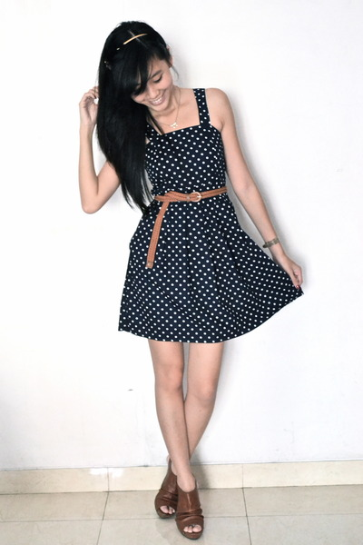 polkadot Thrift Store dress - brown Forever 21 heels