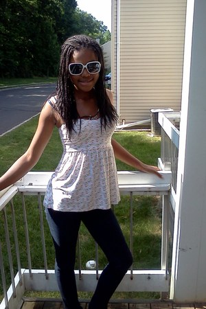 delias jeans - tank top Pac Sun shirt - white shades Wet Seal sunglasses