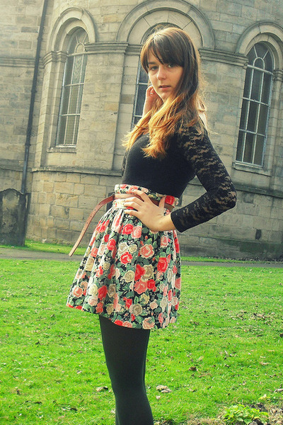 dark green Primark tights - salmon floral H&M skirt - tawny Primark belt - black