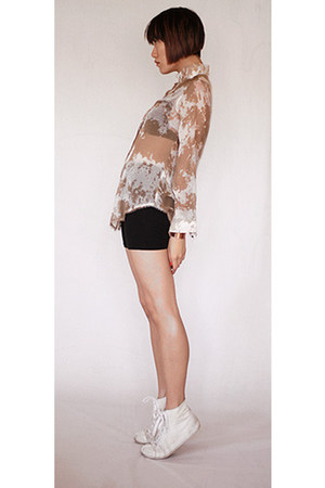 Antipodium blouse - BDG shorts - t by alexander wang bra