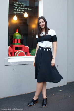 black Seventh Wonderland skirt - white Hermes top - black asos loafers
