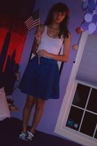 Charlotte Russe vest - H&M skirt - Converse shoes - Hot Topic necklace - accesso