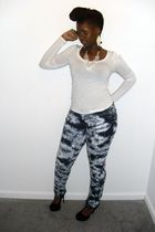 white Forever 21 shirt - blue Levis jeans - black Charlotte Russe shoes
