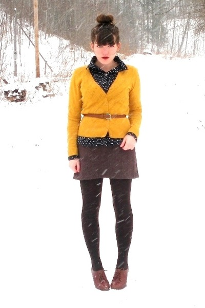 brown blimey oxfords seychelles shoes - dark brown HUE tights - navy polka dot t