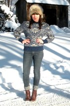dark brown cheerio seychelles boots - navy PacSun jeans - heather gray faux-fur