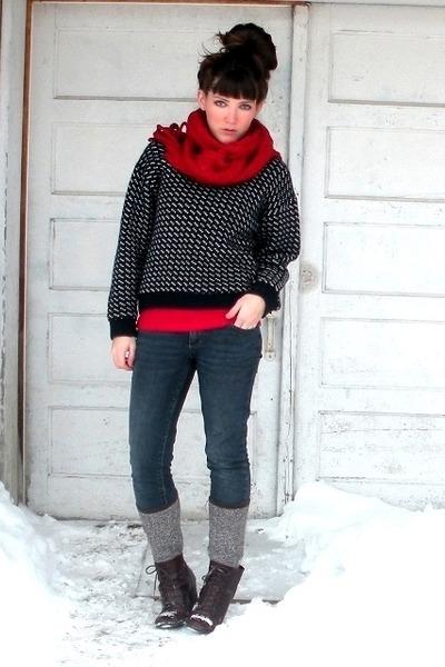 navy wool vintage LLBean sweater - dark brown cheerio seychelles boots