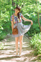violet vintage blouse - tawny vintage purse - dark brown modcloth sunglasses