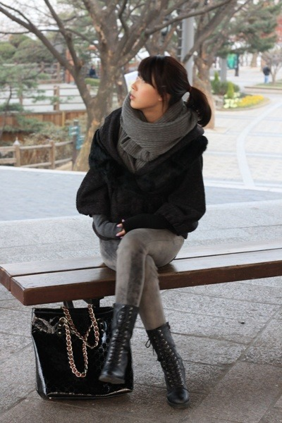 Hanii Y coat - black Forever 21 boots - black Gucci accessories