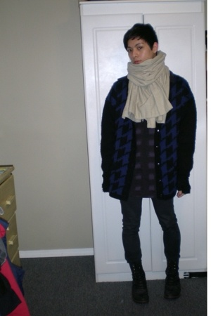 Home made scarf - vintage coat - Silence & Noise Urban Outfitters top - Blank Ur