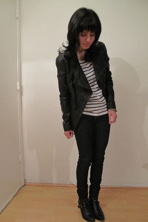 black jacket - blue Forever 21 jeans - white H&M shirt - black Topshop boots