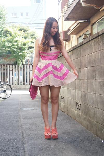 tan nadesico dress - bubble gum lace purse Moms old closet bag