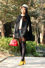 Beige-bdg-hat-black-house-of-holland-tights-red-cherrykoko-bag-light-blue-
