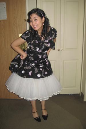 black dress - white intimate - pink accessories
