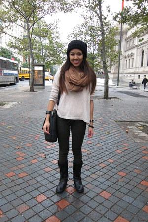 camel H&M scarf - black beanie H&M hat - green jeggings Gap leggings