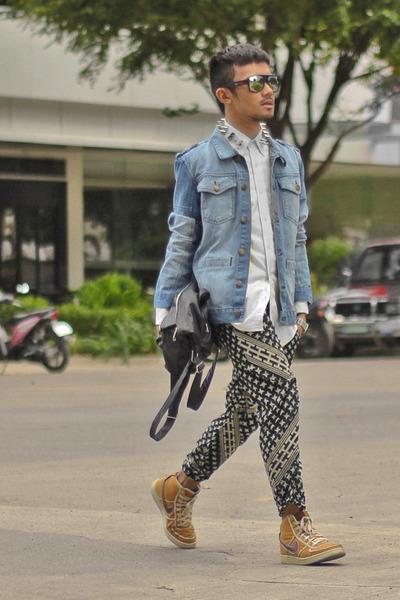 blue denim garage Hang Ten jacket - mustard nike shoes