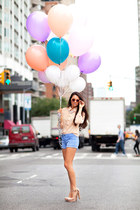 Zaden Row shorts - Vince Camuto shoes - Helianthus shirt