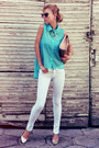 Turquoise-blue-shirt-white-jeans-tan-bag-gold-flats