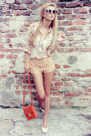 shorts - shirt - bag - wedges
