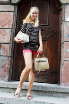 black t-shirt - tan bag - coral shorts - light brown sandals - black belt