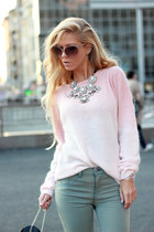 light pink sweater - neutral shoes - Zara jeans - black bag