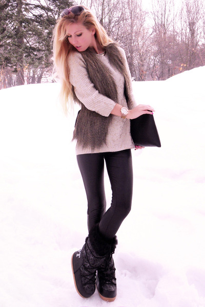 Faux Leather Snow Boots | Homewood Mountain Ski Resort