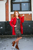 black Zarina dress - red River Island coat - burnt orange Donna Balizza heels