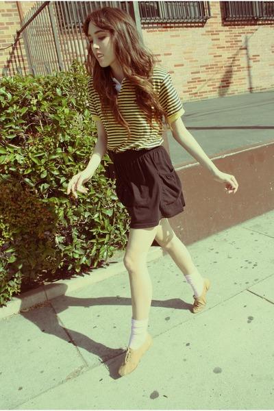 yellow shirt - black skirt - pink welovecolors socks - beige shoes