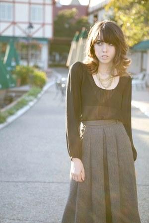 heather gray wool pleated vintage skirt - black Wassino blouse