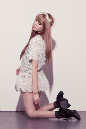 white chelsea monroe dress - black Jeffrey Campbell shoes