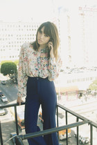 eggshell 5 vintage blouse - navy 3 Levis pants